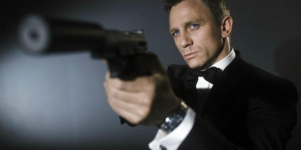 Daniel-Craig-Bond-Gun