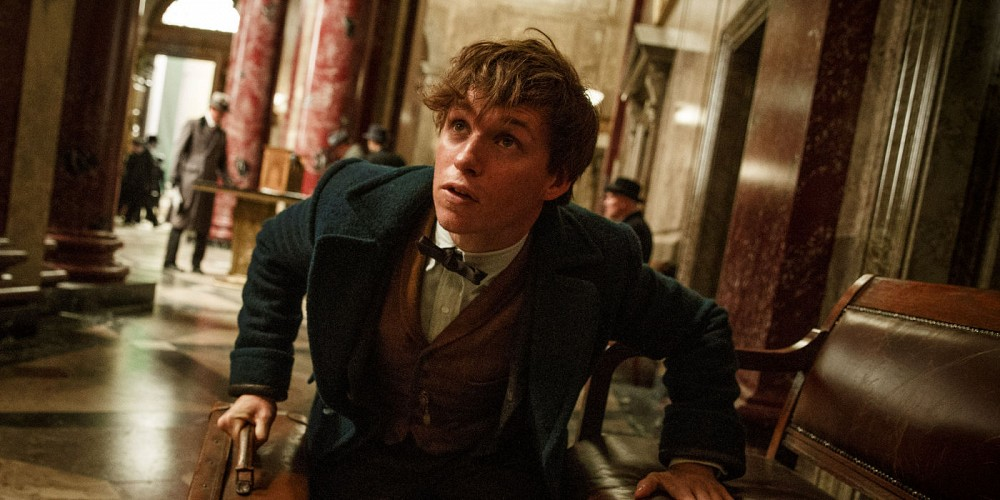 eddie-redmayne-in-fantastic-beasts-and-where-to-find-them2