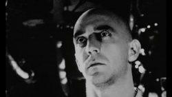 تراژدی حقیقت جویی؛ نقد و بررسی فیلم pi