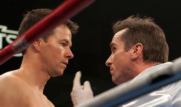کریسچن بیل در کنار مارک والبرگ، در فیلم مشتزن.