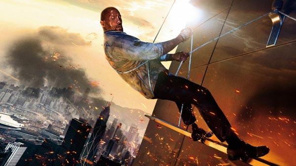 دوئین جانسون در فیلم آسمان خراش.