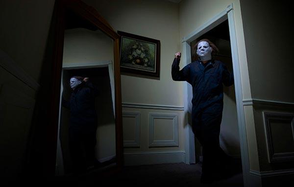 شخصیت مایکل مایرز در فیلم هالووین.