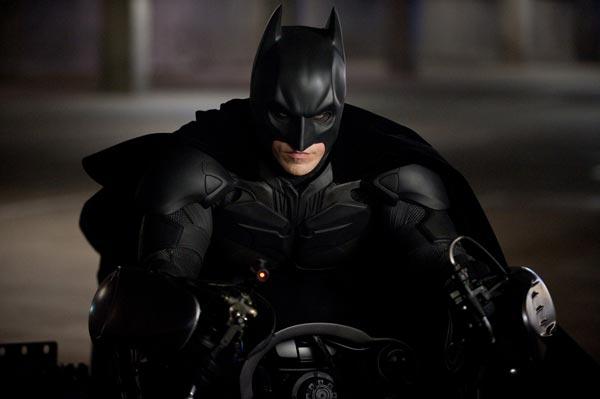 شوالیه تاریکی برمیخیزد (The Dark Knight Rises)