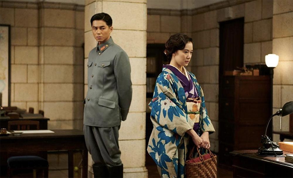 تاسوکو و تایجی در فیلم همسر یک جاسوس